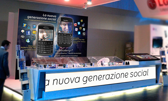 NMK firma lo stand BlackBerry alla convention TIM di Parigi